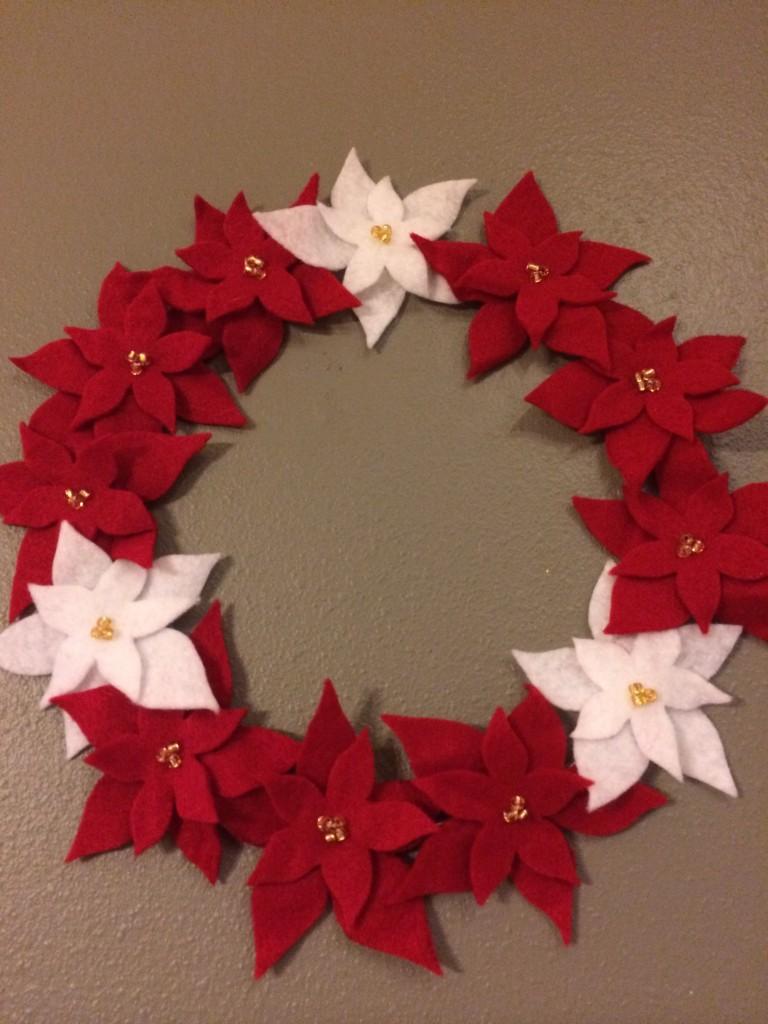 DIY Felt Poinsettia Wreath