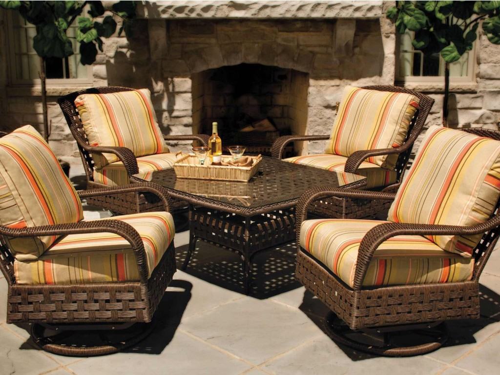 Lloyd:Flanders Outdoor Seating Set