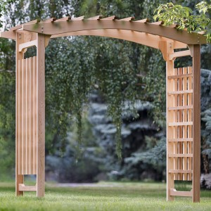 5 Ways to Decorate a Wedding Arbor