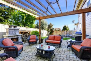 Top Summer Outdoor Decorating Trends (Infographic)