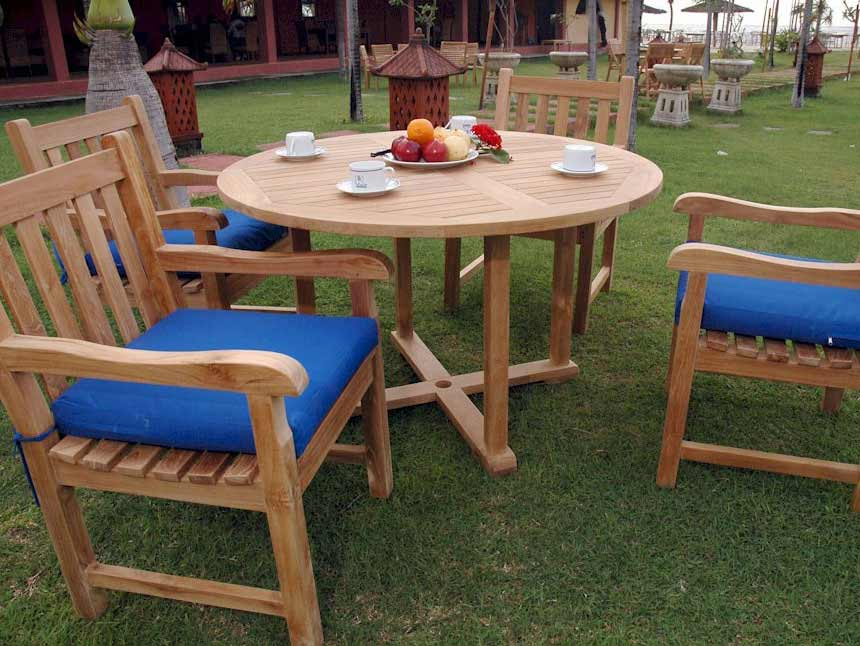 Best-selling Teak Round Tosca Table Classic Arm Chairs Product Photo