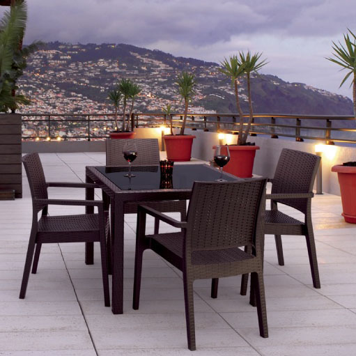 Pretty Miami Wickerlook Square Dining Set Product Photo