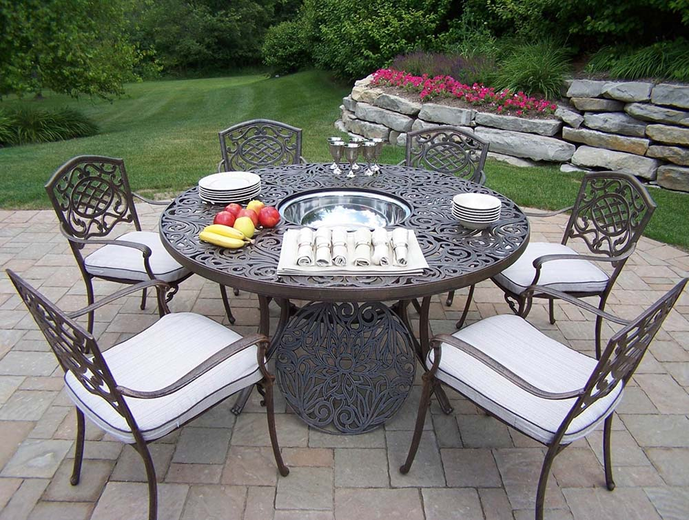 Wonderful Round Dining Set Ice Bucket Cushions Product Photo
