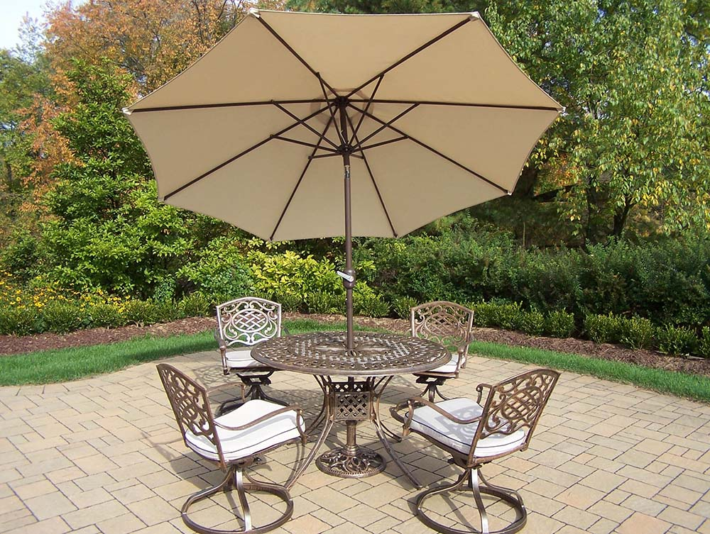 11 Pc Rocker Set: 4 Swivel Rockers, Beige Umbrella