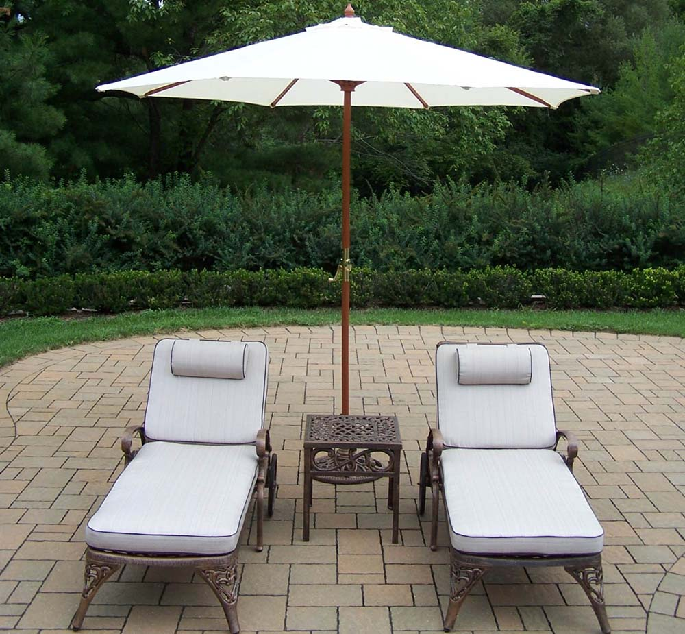 Choose Mississippi Cushion Chaise Lounge Table Umbrella Stand 1 12