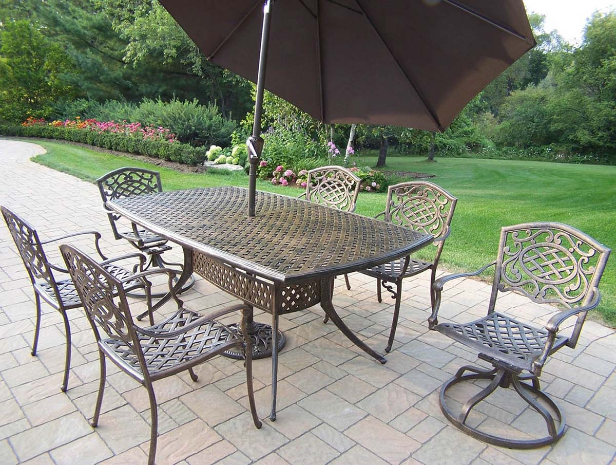 Impressive Mississippi Dining Set Table Swivel Chairs 1 392