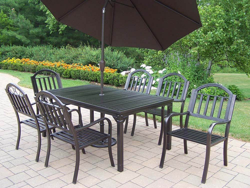 Rochester 9pc Dining Set With Umbrella & Stand