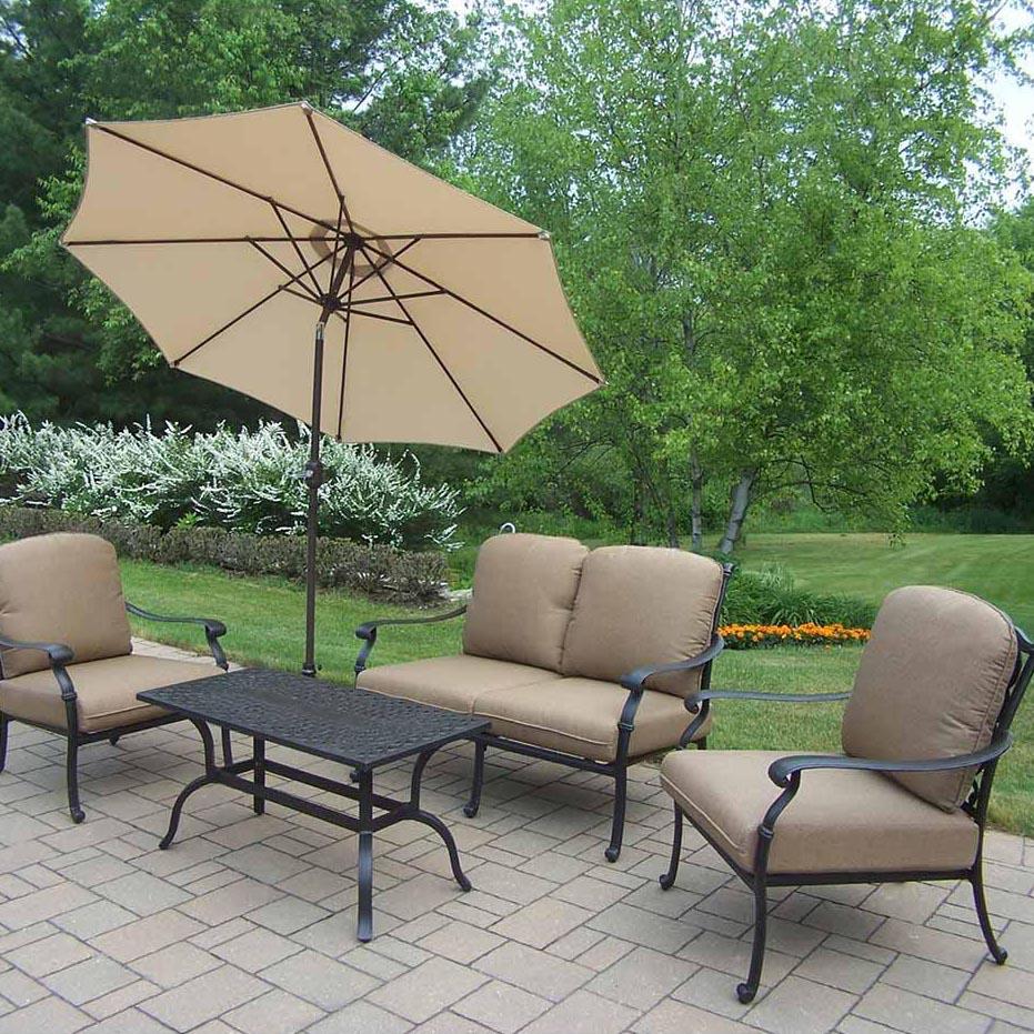 Cheap Hampton Chat Set Cushions Umbrella Product Photo