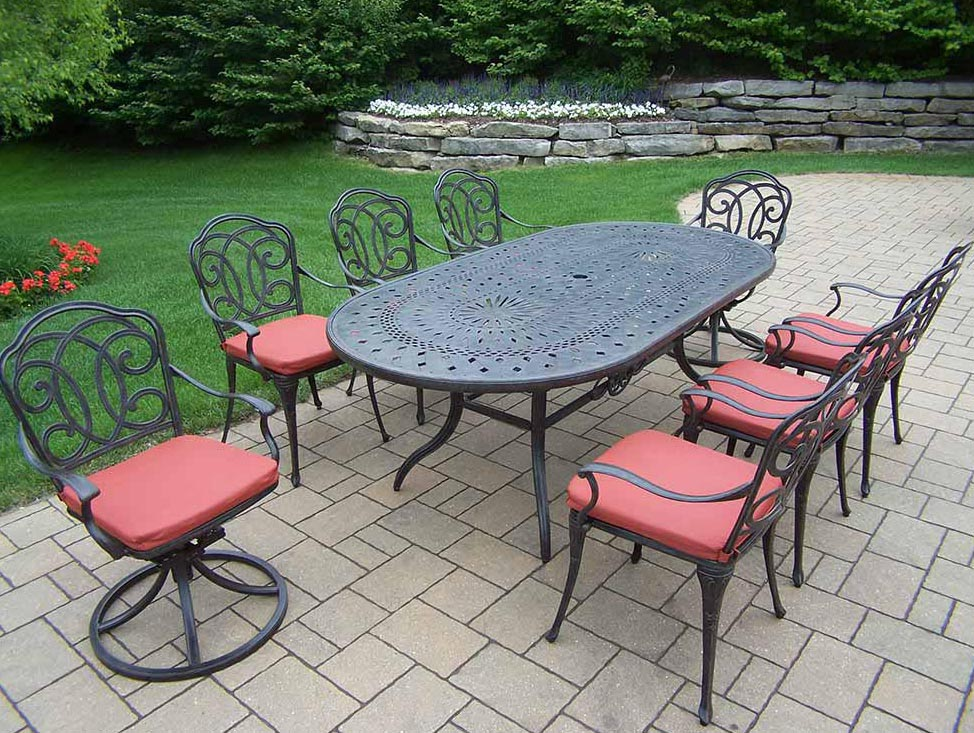 Optimal Aged Berkley Set Table Chairs Swivel Rockers Product Photo