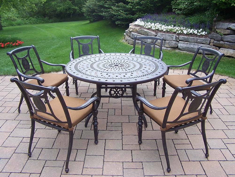 Choose Aged Victoria Set Table Cushioned Chairs Product Photo