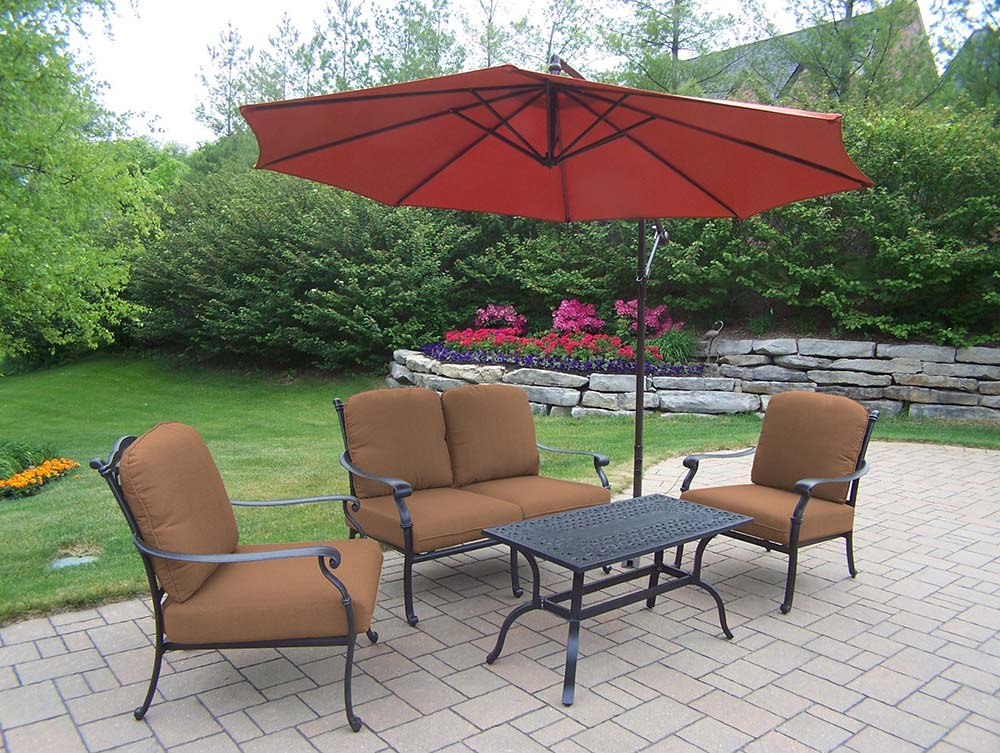 Superb-quality Hampton Deep Seat Chat Set Cantilever Umbrella Product Photo