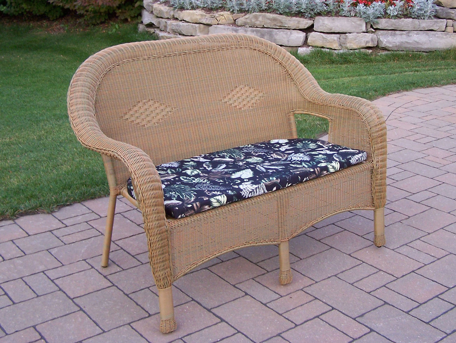Serious Honey Resin Wicker Loveseat Cushion Product Photo
